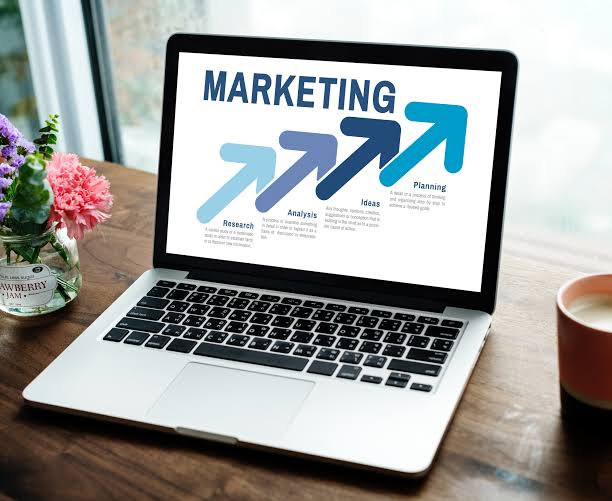 Advertising Avenues: 4 Marketing Mediums to Put Your Business on the Road to Success